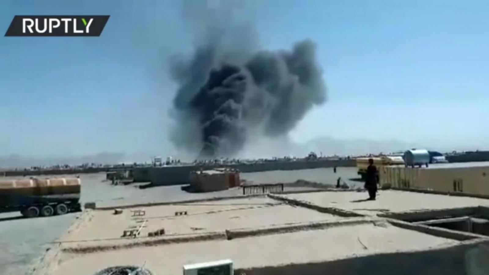 Cháy lớn, khói bốc lên ngùn ngụt ở chốt hải quan biên giới Iran