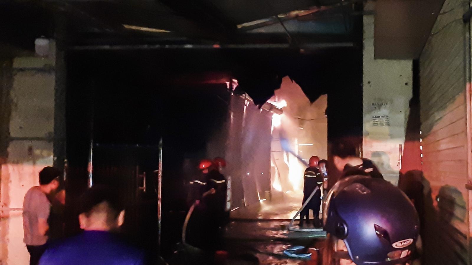 Cháy lớn tại chợ Noong Bua, thành phố Điện Biên Phủ