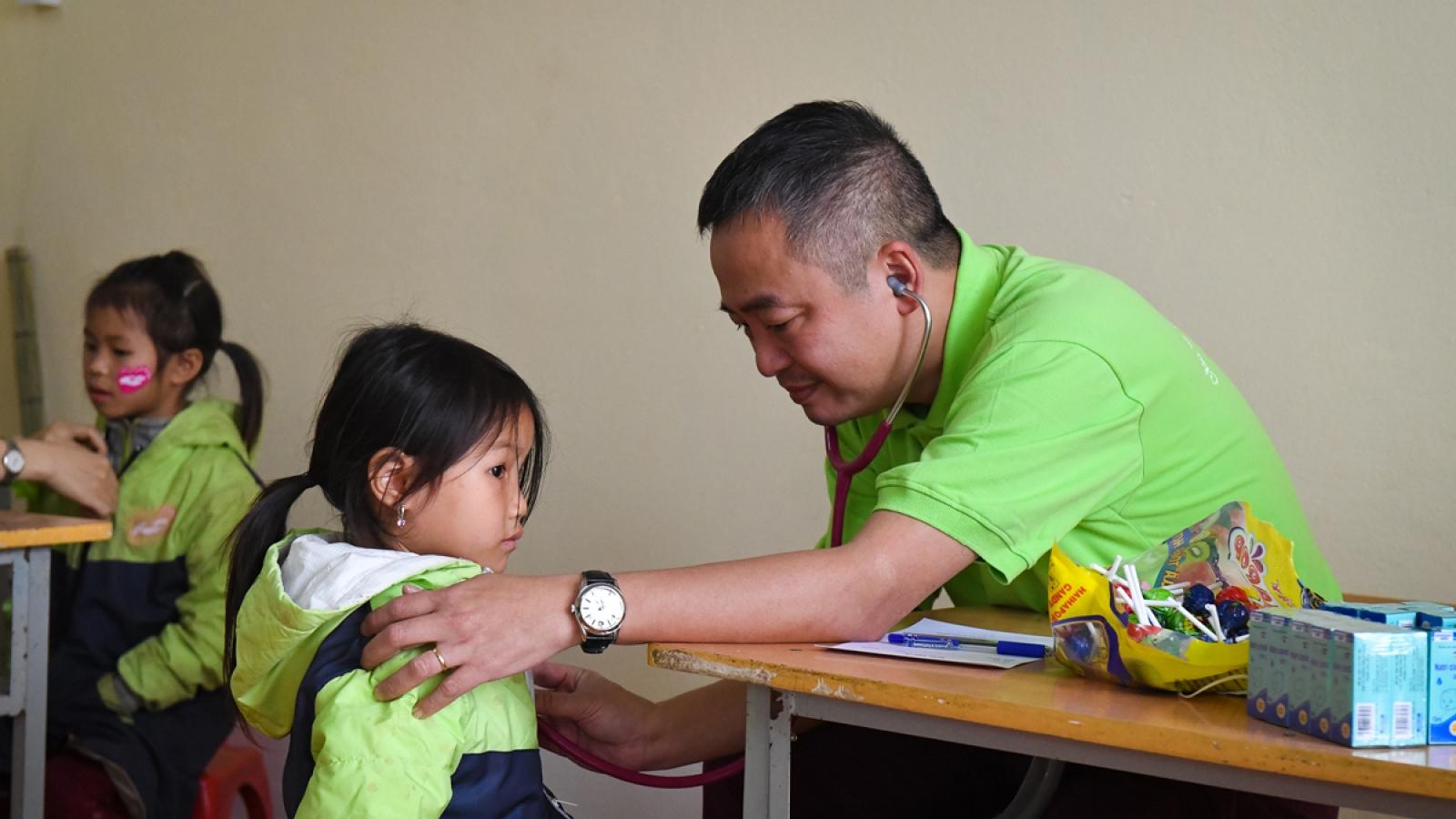 Nhóm thiện nguyện Chia sẻ tình thương khánh thành điểm trường Cán Chỉ Dền (Hà Giang)