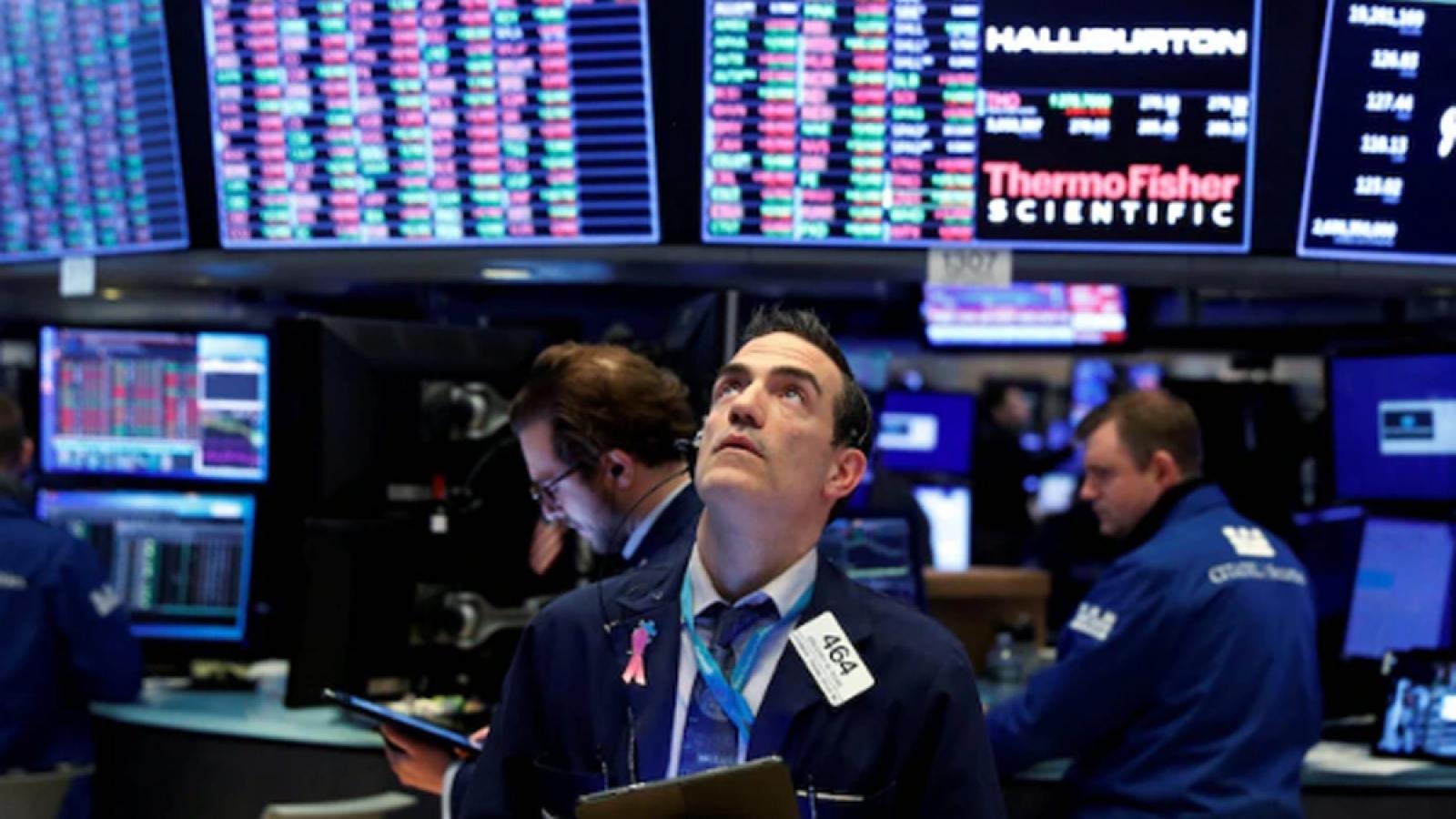 Chứng khoán Mỹ khởi sắc sau khi FED tuyên bố duy trì lãi suất thấp