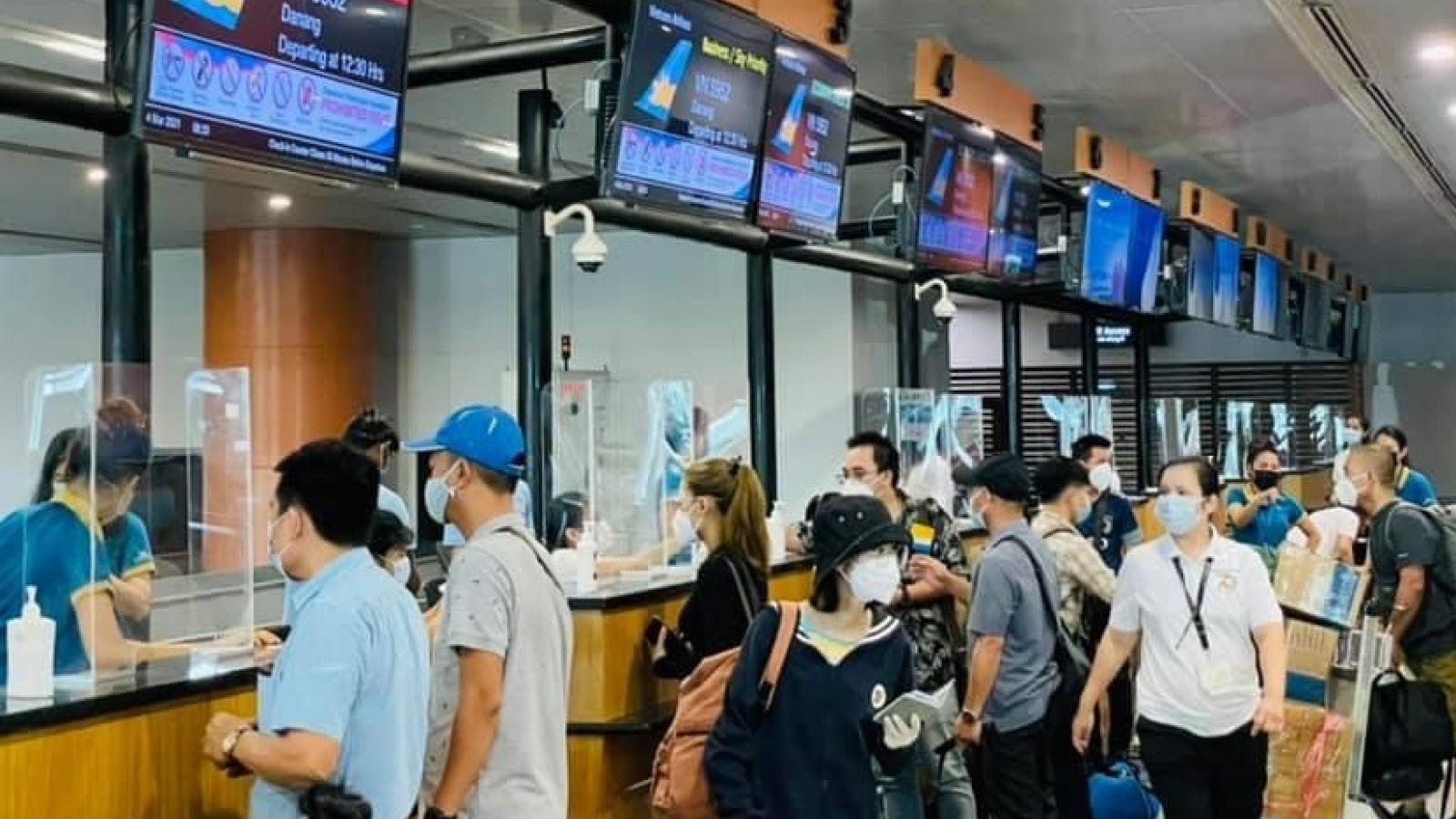 Việt Nam đưa 390 công dân ở Myanmar về nước