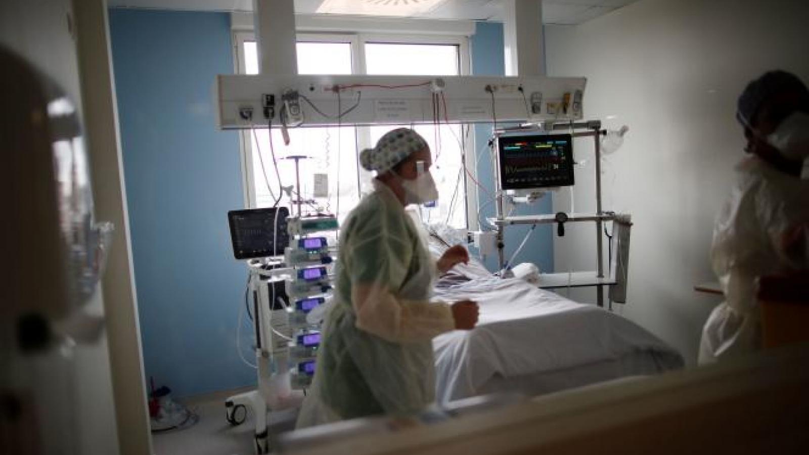 Dịch Covid-19 khiến số người chết tại Pháp năm 2020 cao nhất trong 70 năm