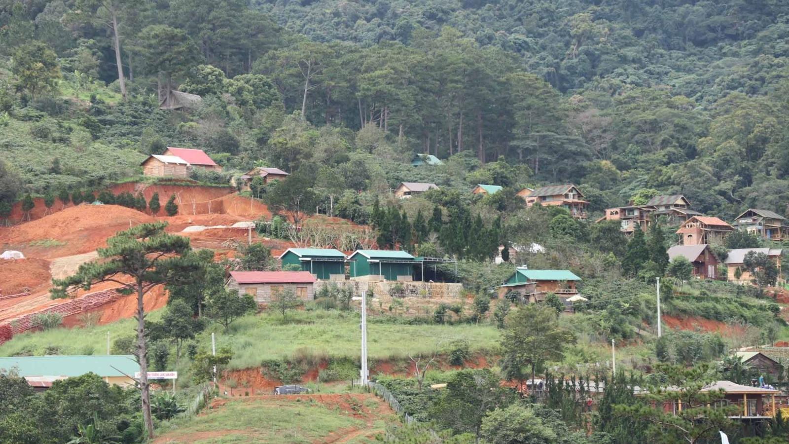 """Kiên quyết giải tỏa công trình tại """"Làng biệt thự"""" xây dựng trái phép ở Lâm Đồng"""