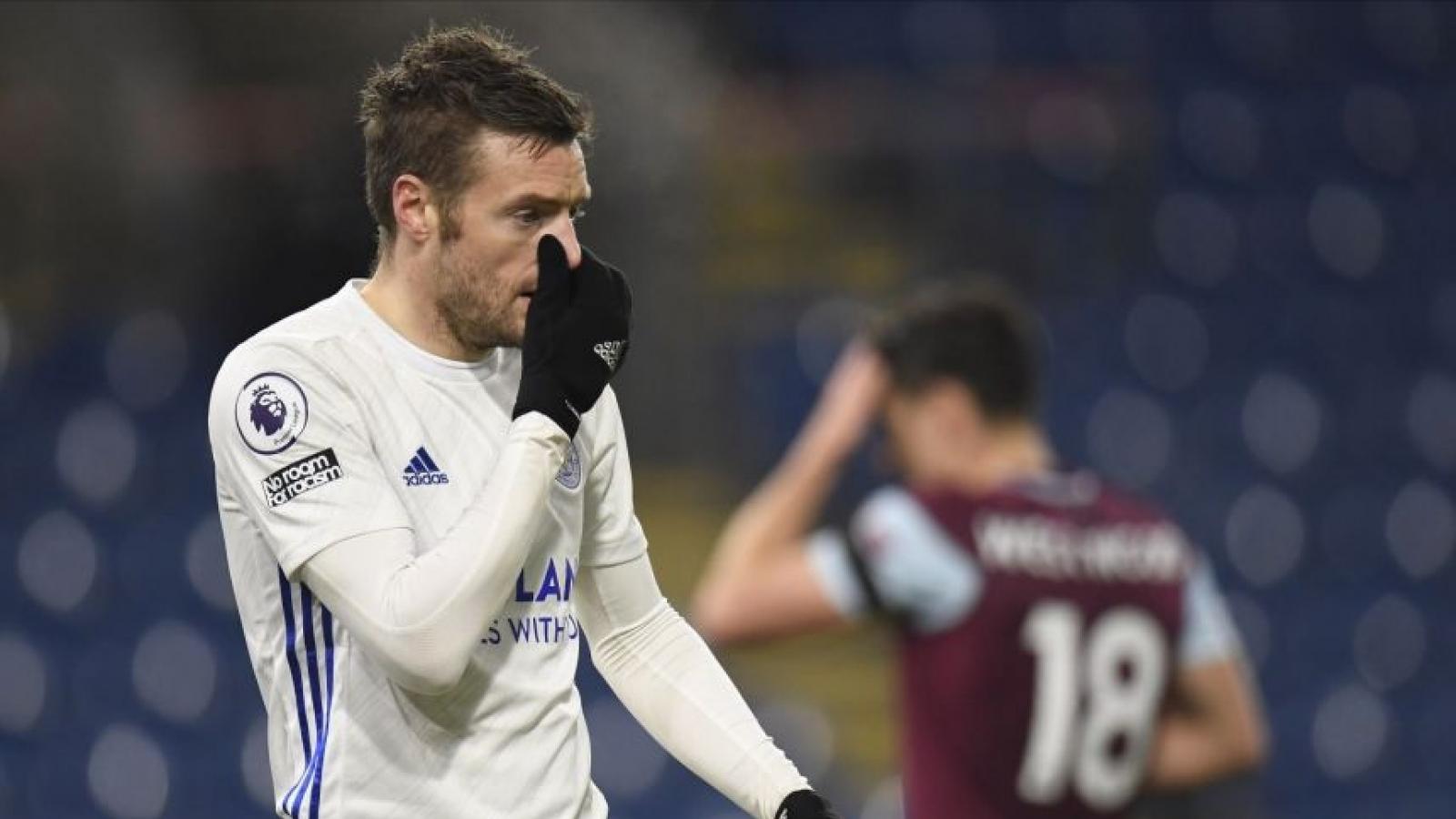 Đội bóng đua trụ hạng giúp MU giữ vững ngôi nhì Premier League
