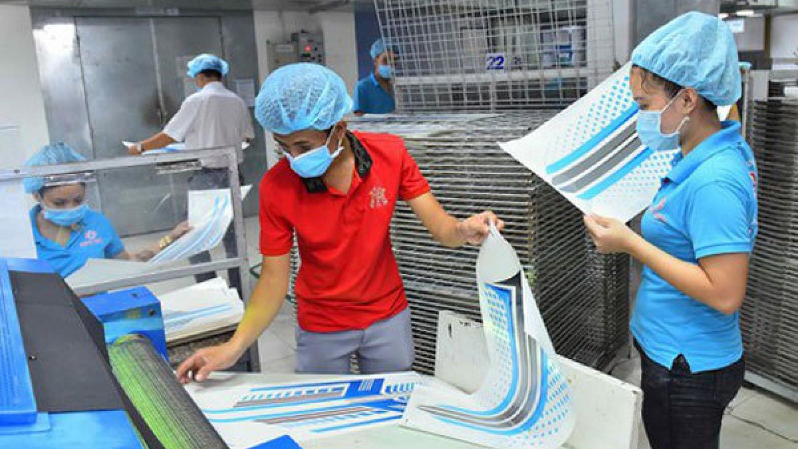 Domestic enterprises remain struggling