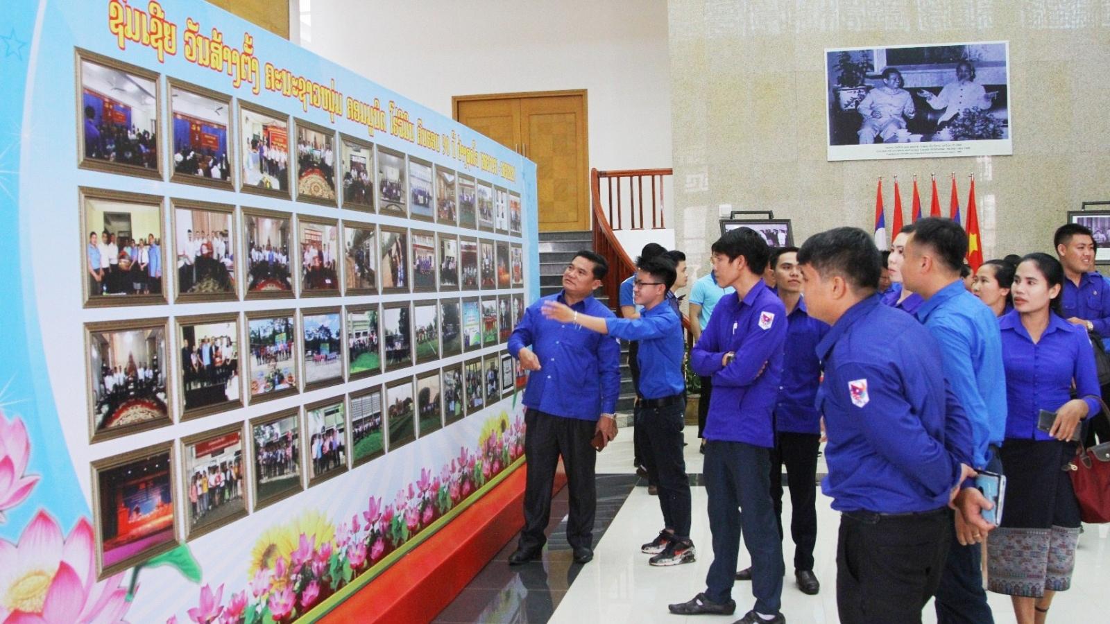 Sôi nổi các hoạt động kỷ niệm 90 năm thành lập Đoàn TNCS Hồ Chí Minh tại Lào