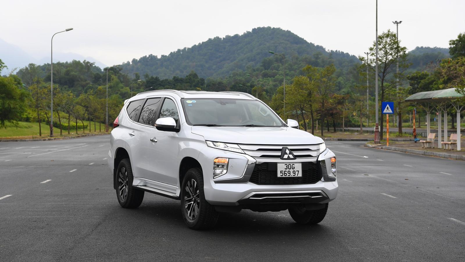Mitsubishi Pajero Sport 2020 lấy ngoại hình là điểm nhấn