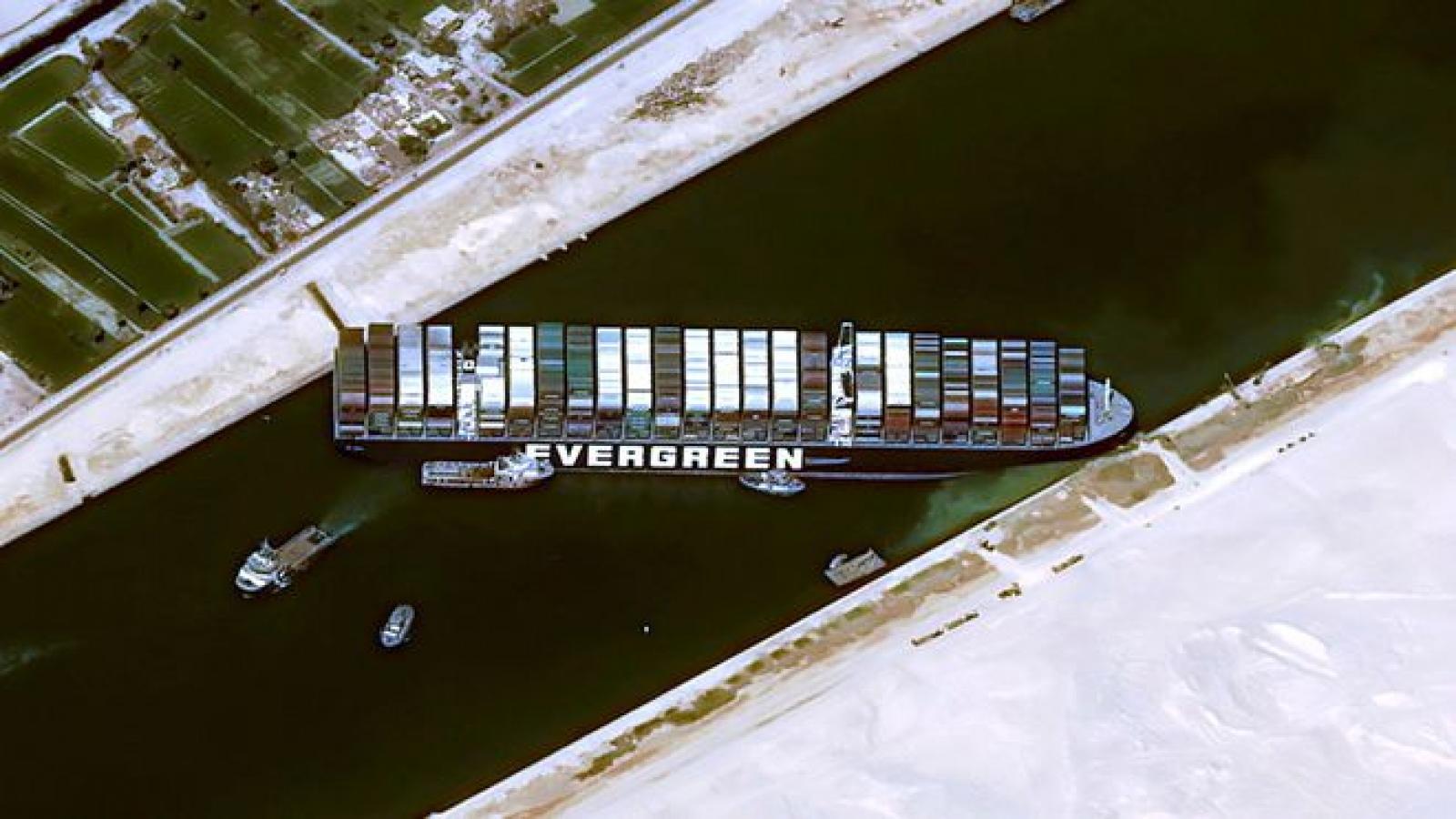 Kênh đào Suez ách tắc, 321 tàu bị mắc kẹt