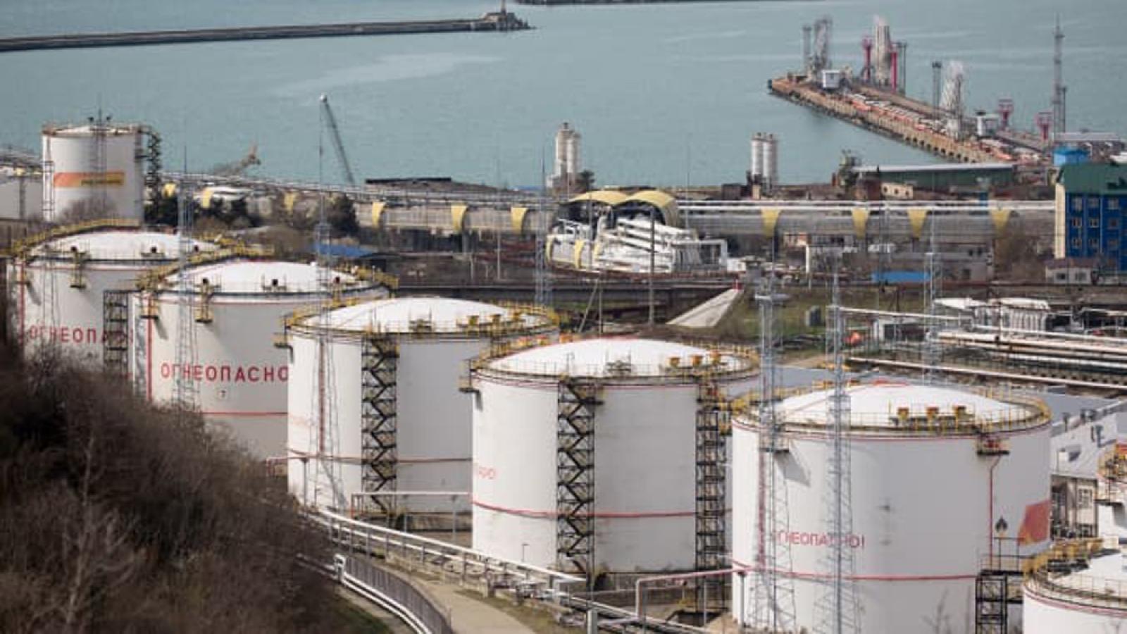 Giá dầu thế giới hướng tới quý tăng mạnh nhất trong lịch sử