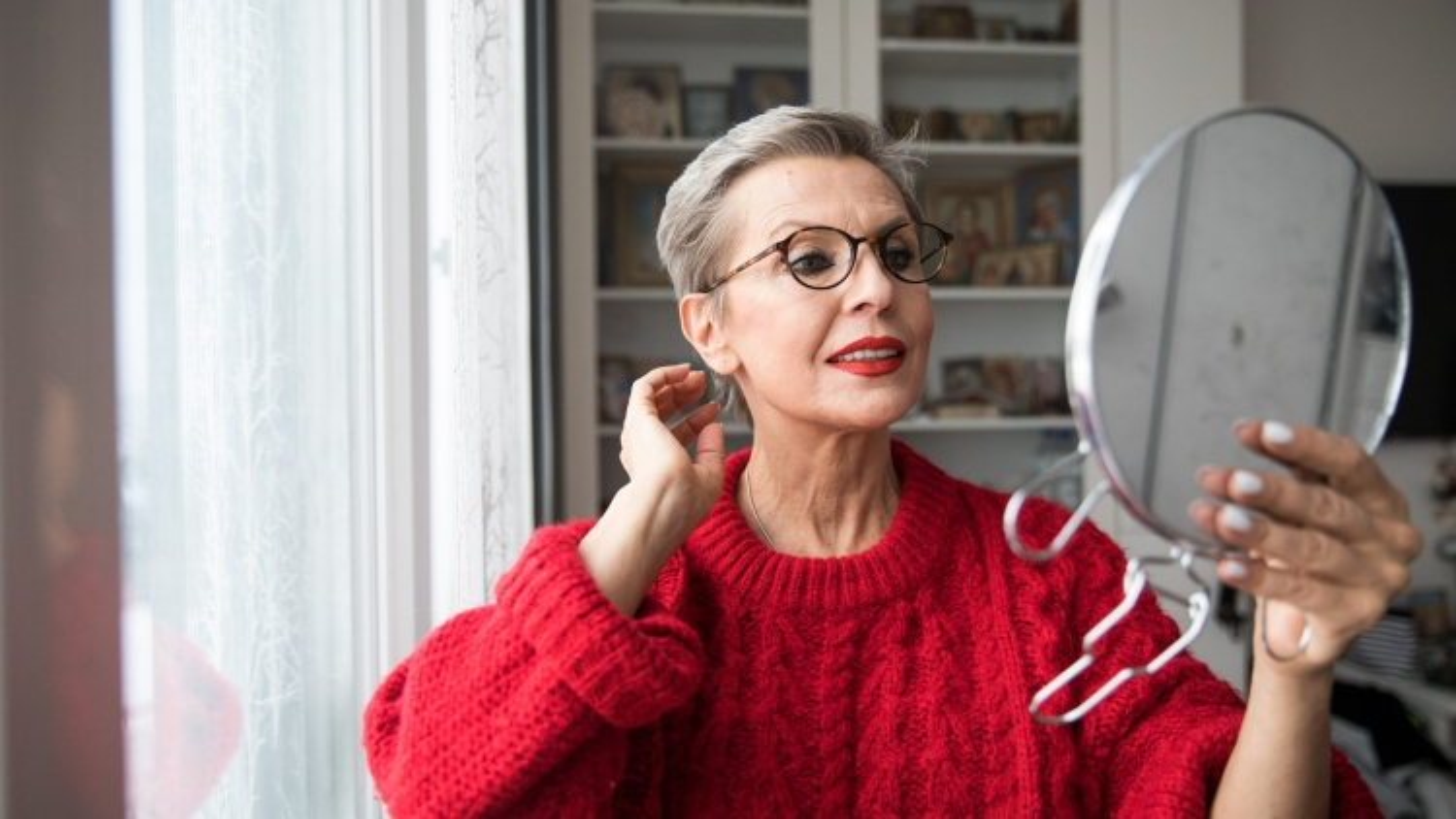 Những nguyên nhân tiềm ẩn khiến tóc bạn bạc sớm