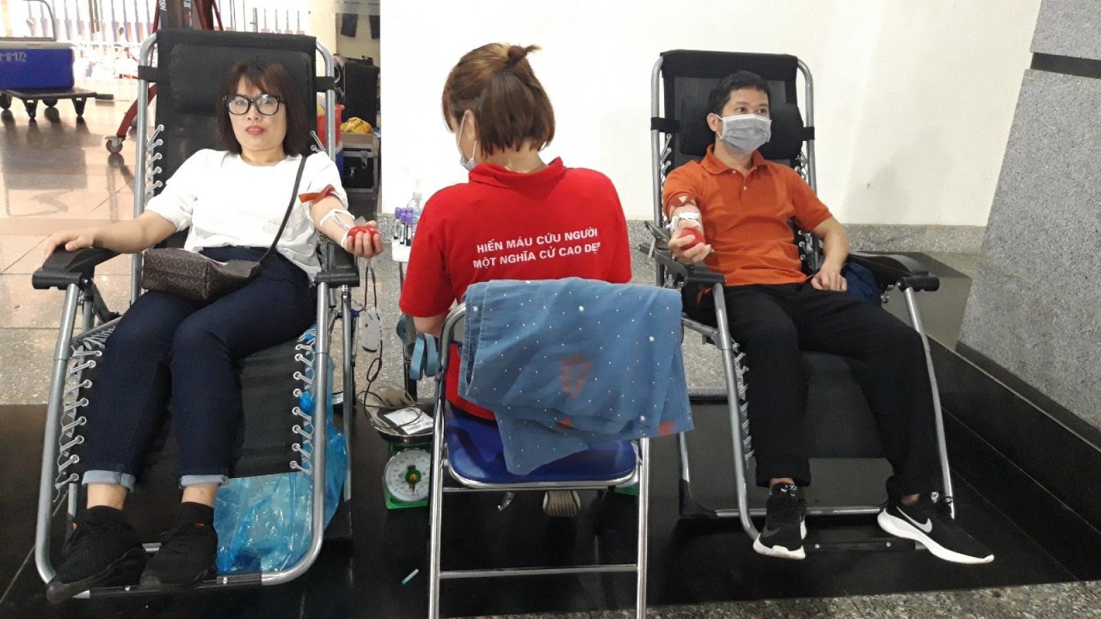 Viện Hàn lâm Khoa học xã hội Việt Nam tổ chức hiến máu tình nguyện