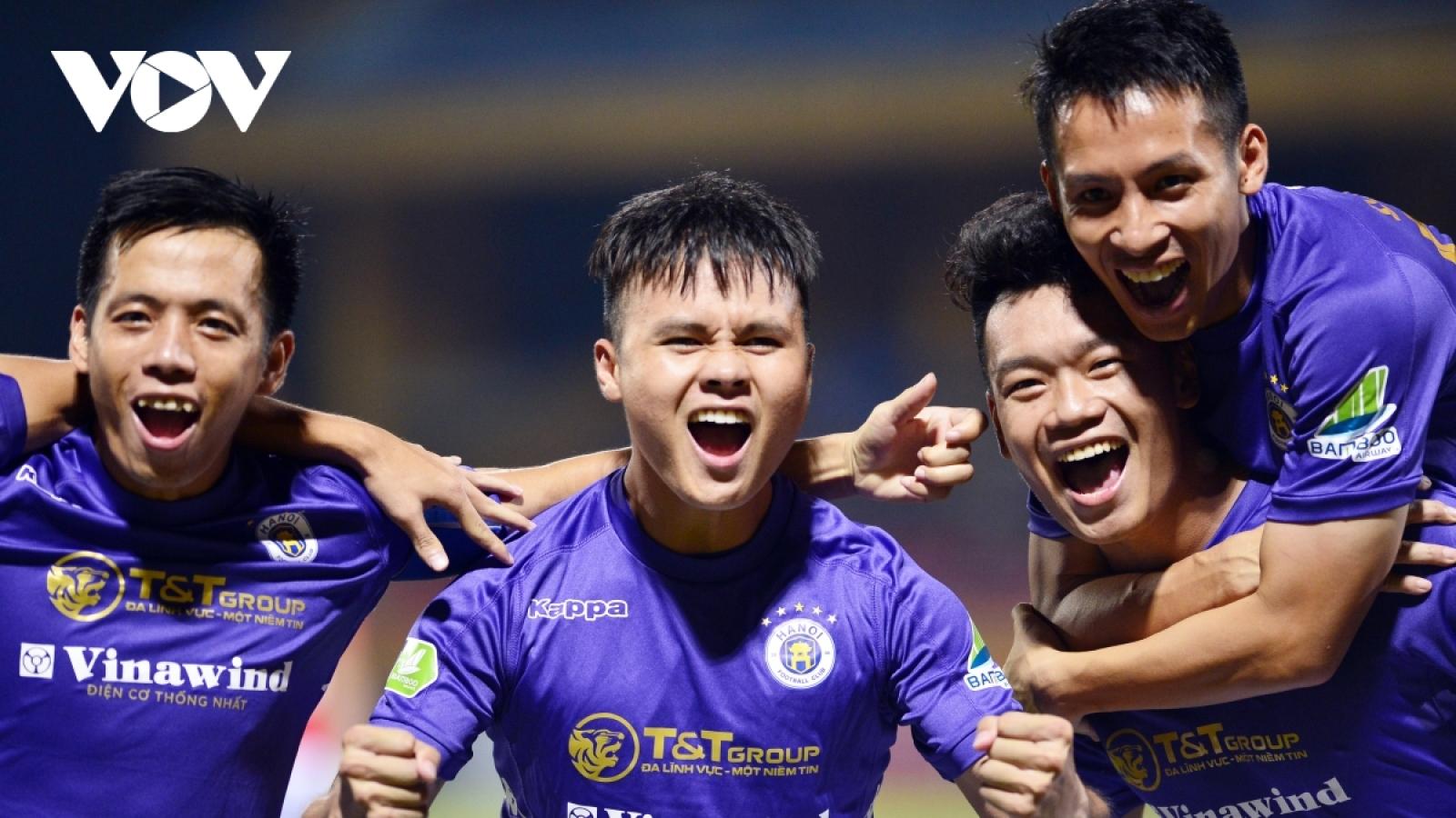 VPF đề nghị tiêm vaccine sớm cho cầu thủ của Hà Nội, Sài Gòn và Viettel