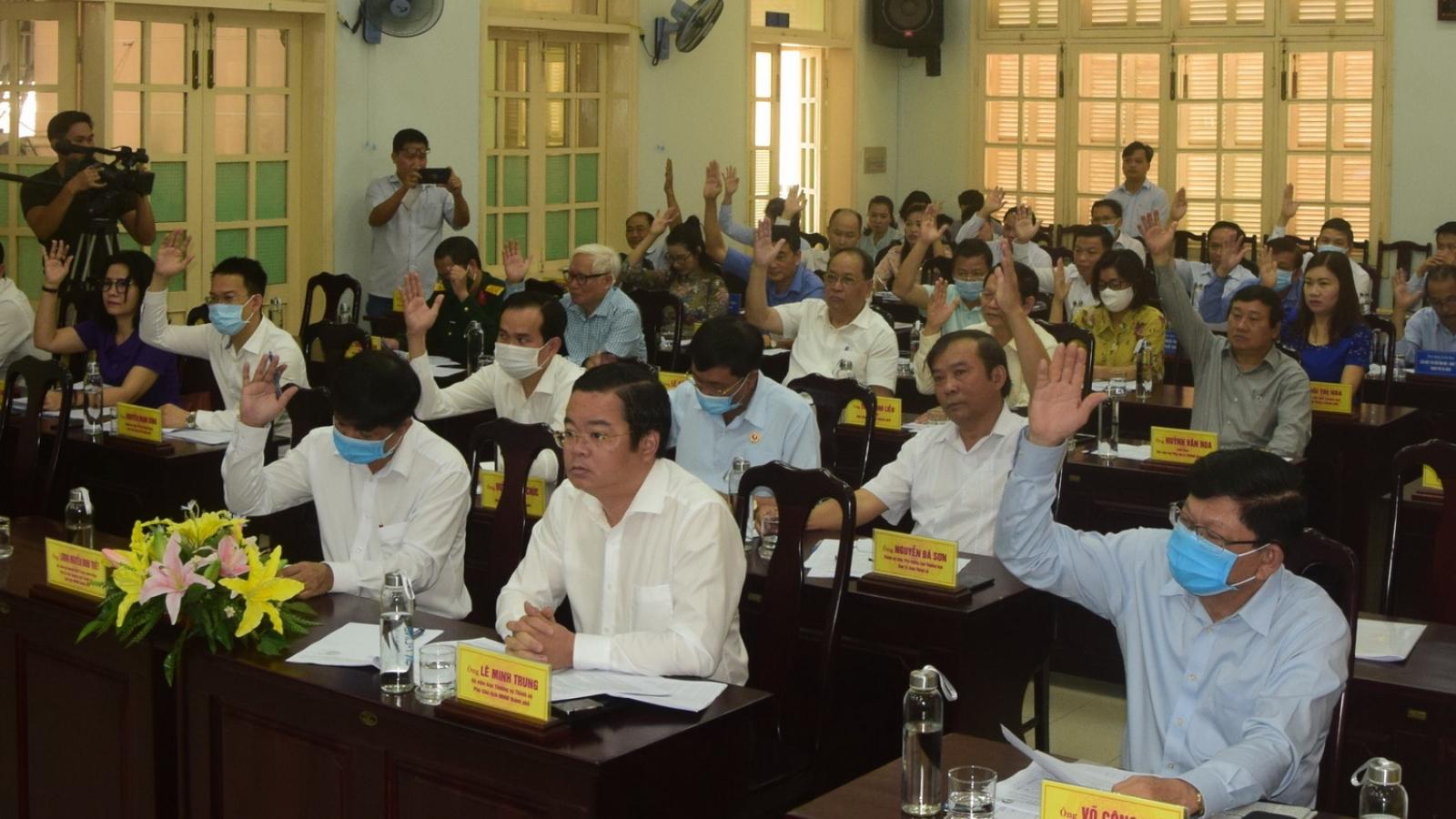 UBND huyện Hoàng Sa giới thiệu 2 người ứng Đại biểu HĐND thành phố Đà Nẵng