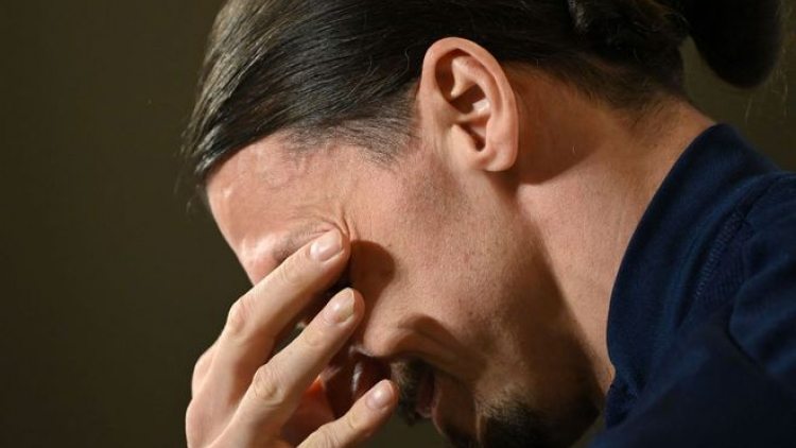 Ibrahimovic bật khóc khi chính thức trở lại ĐT Thụy Điển
