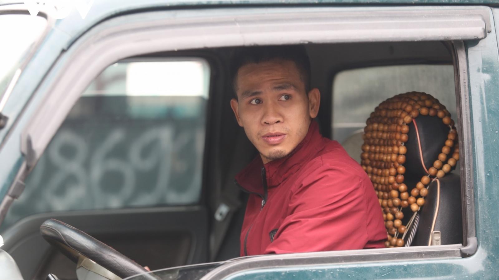 Bộ LĐ-TB-XH tặng bằng khen cho anh Nguyễn Ngọc Mạnh cứu cháu bé rơi từ tầng 12