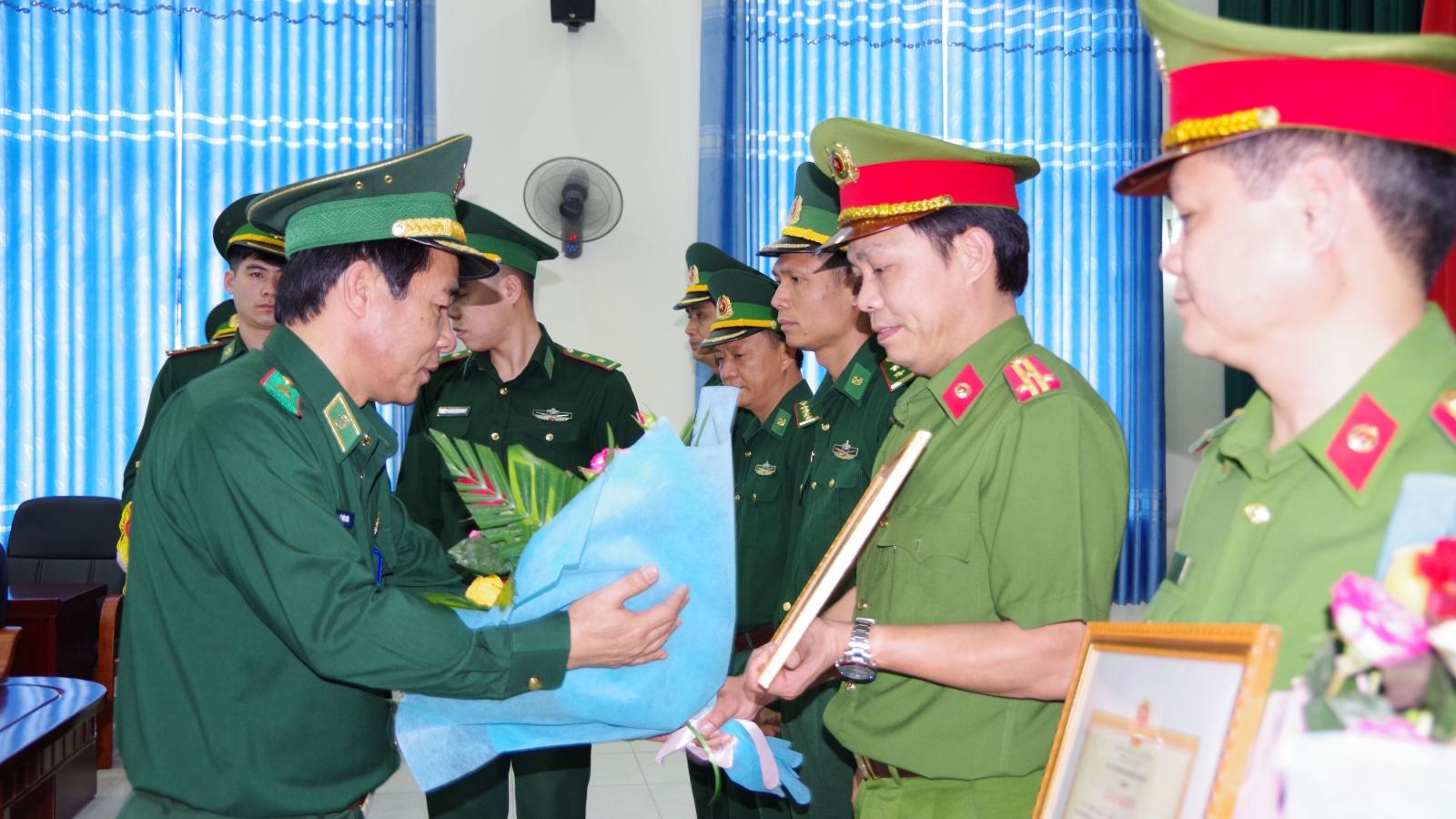 Bộ đội Biên phòng trao thưởng cho lực lượng phá 2 chuyên án ma tuý lớn ở Điện Biên
