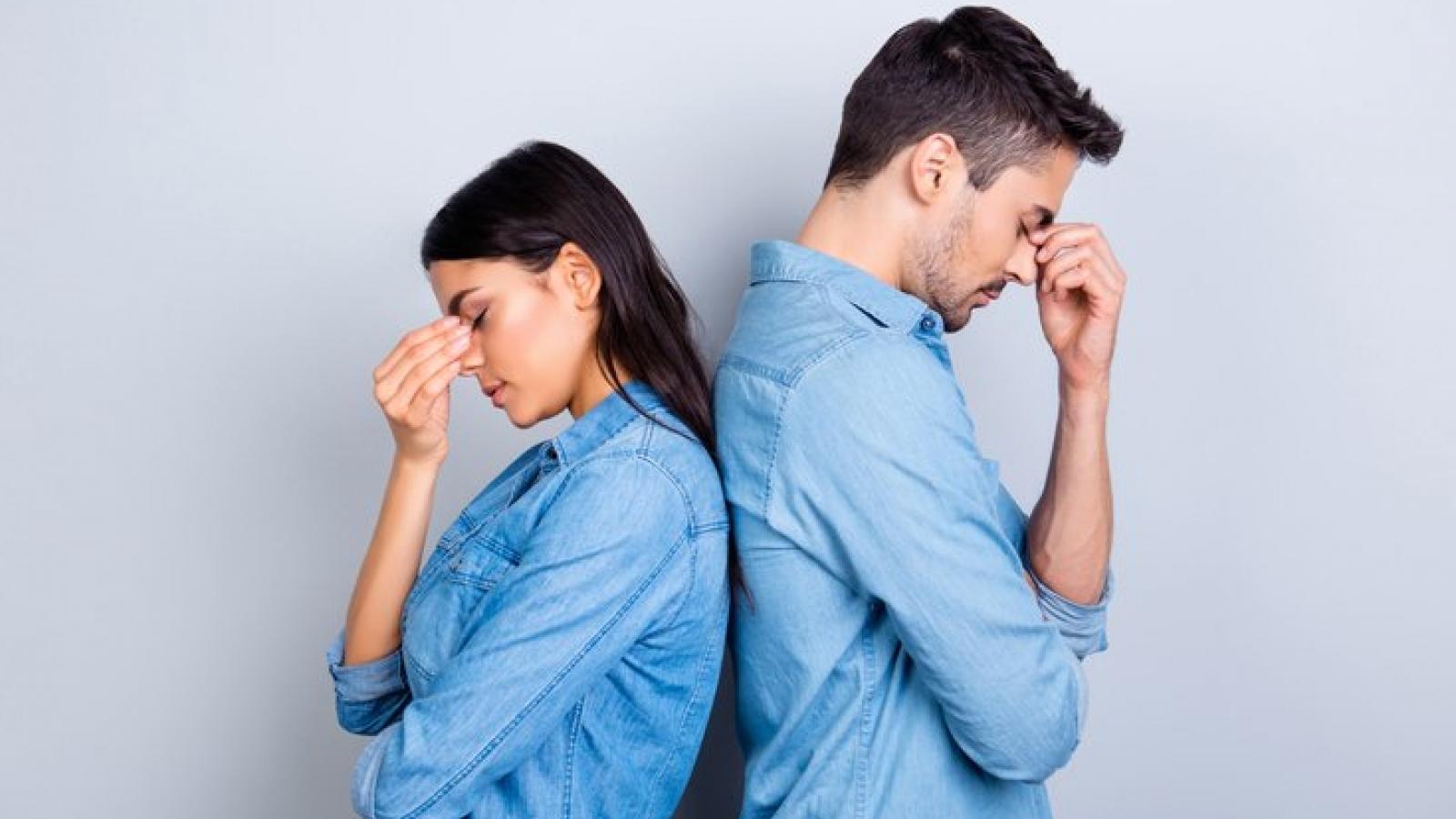 """Những dấu hiệu cho thấy bạn đang trong mối quan hệ """"không ổn"""""""