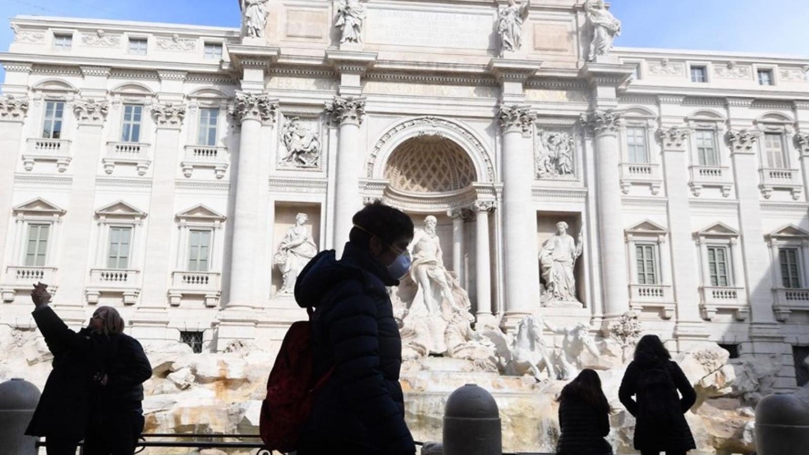 Italia siết chặt các biện pháp hạn chế phòng dịch Covid-19 tới một số vùng