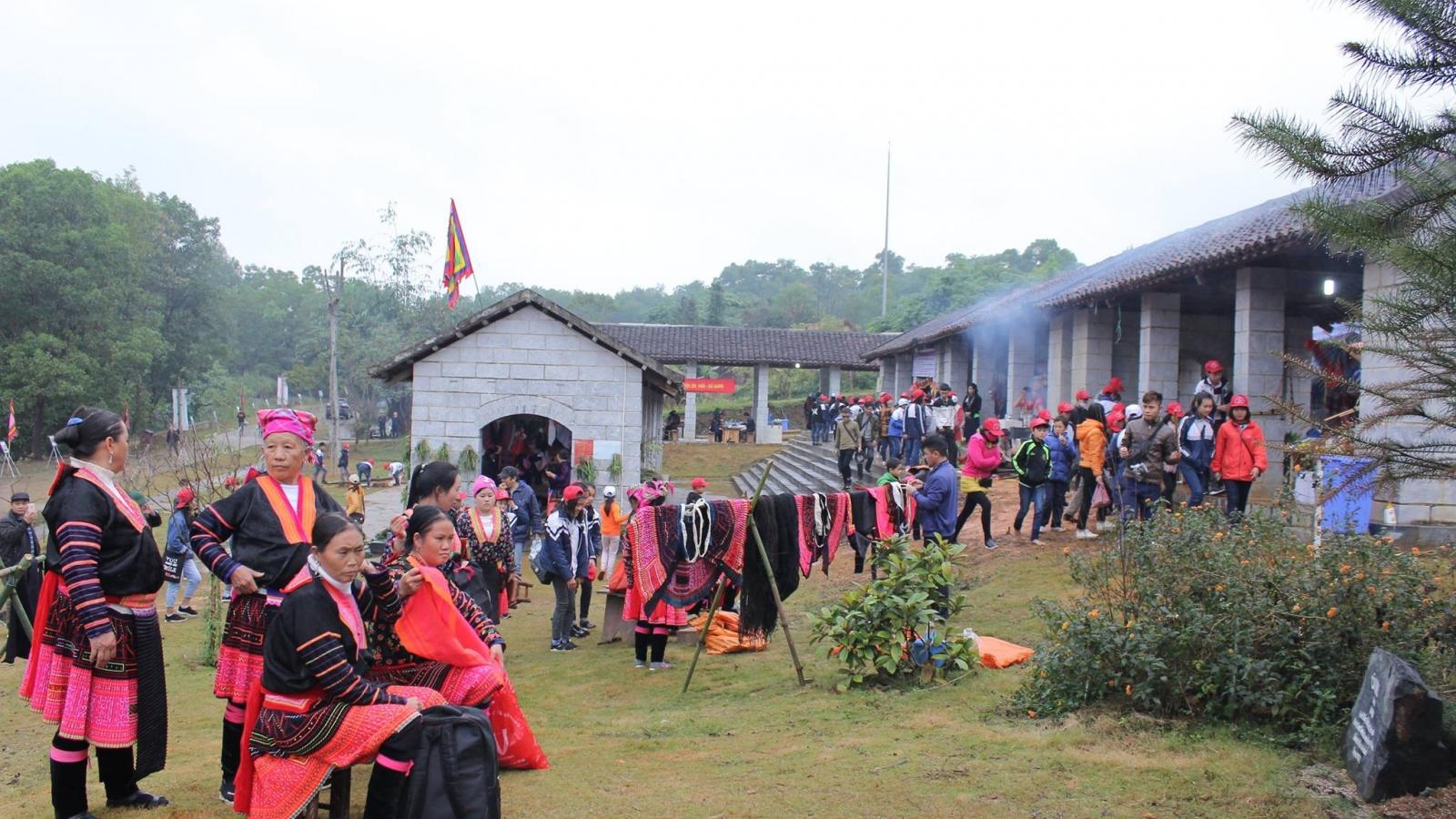 Tái hiện phiên chợ vùng cao Hoàng Su Phì tại Hà Nội