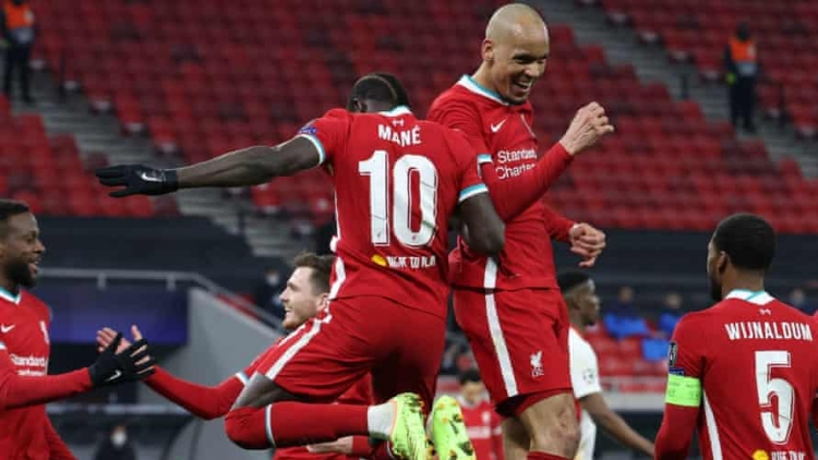Salah và Mane ghi bàn, Liverpool tiễn Leipzig rời Champions League