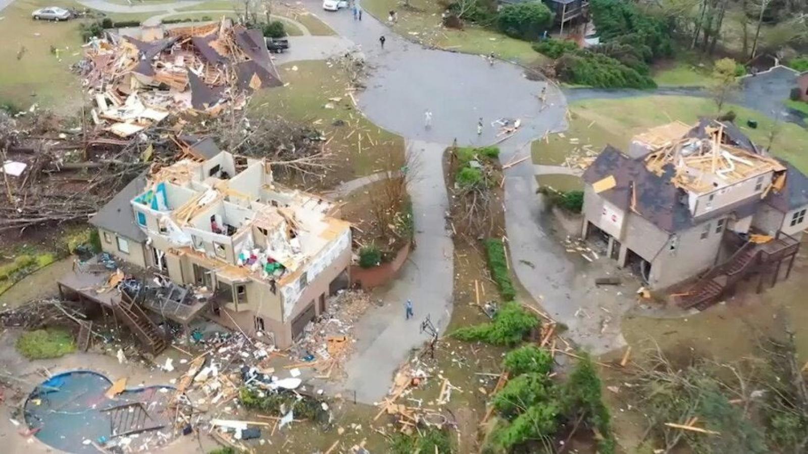 Lốc xoáy giết chết ít nhất 6 người ở Mỹ