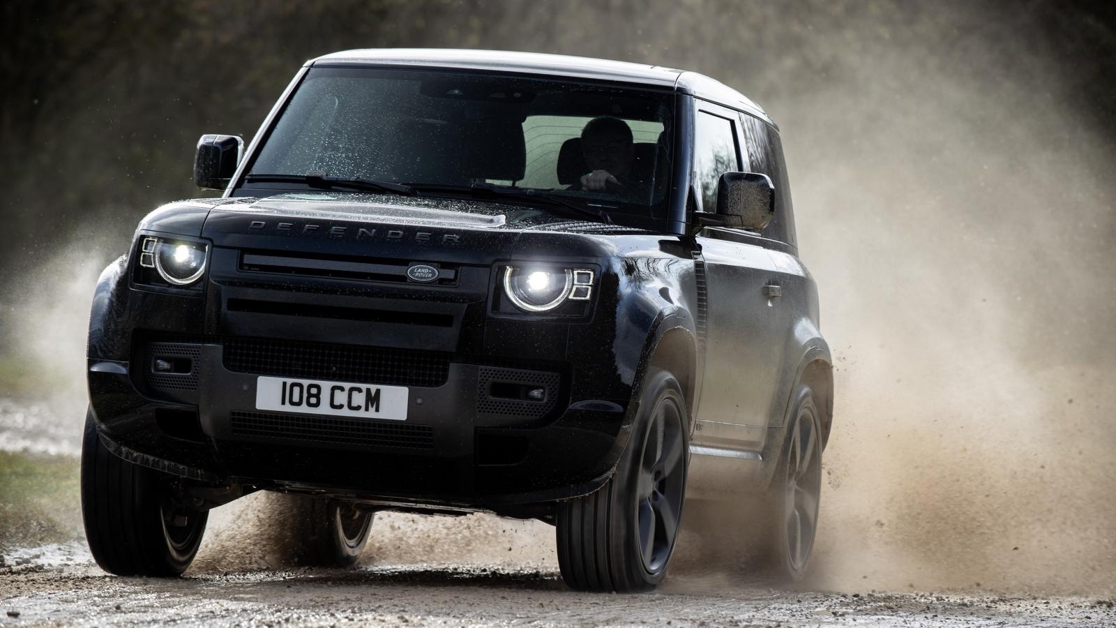 Khám phá Land Rover giới thiệu Defender V8 mới