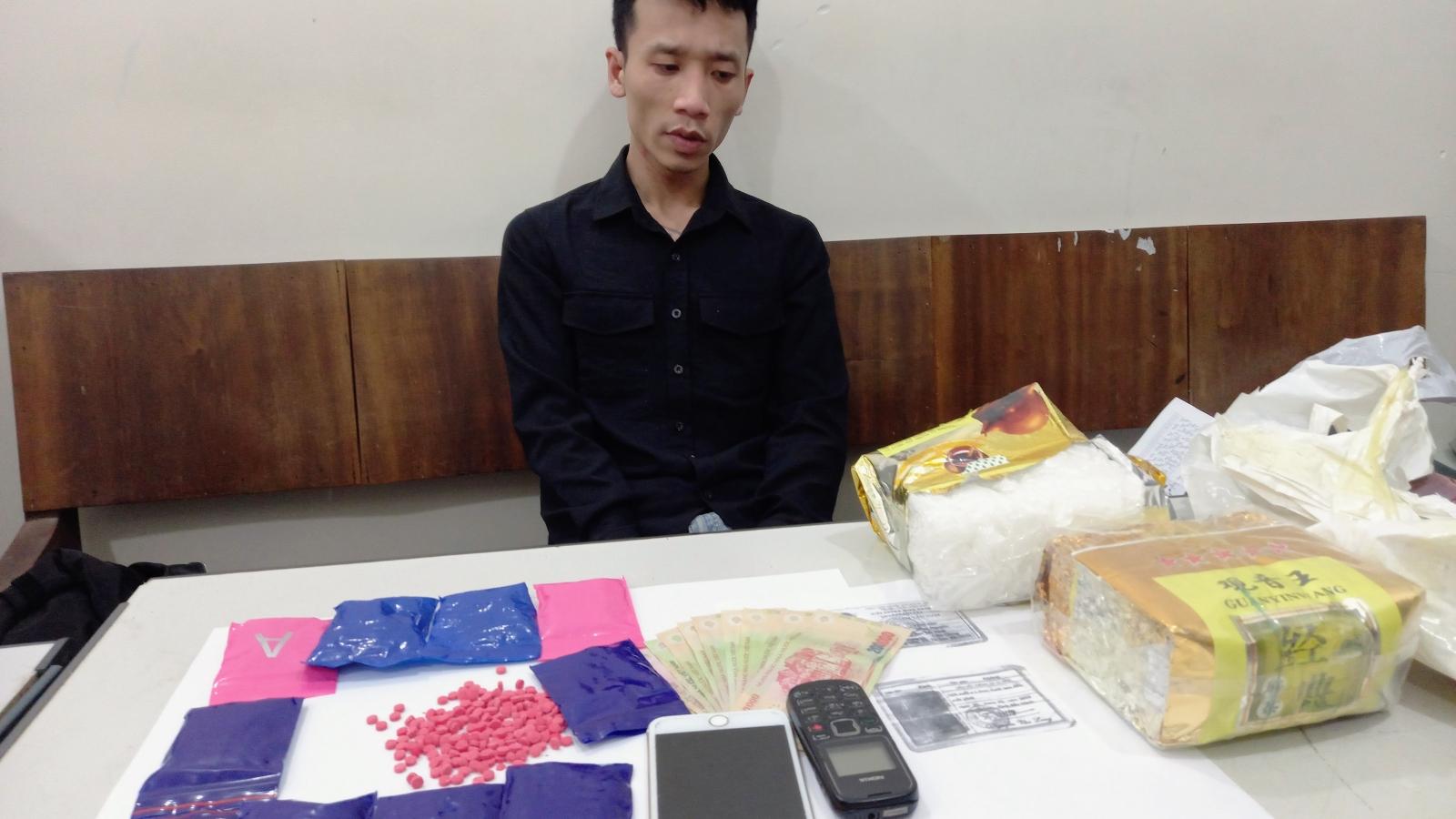 Bắt quả tang đối tượng từ Bắc Ninh lên Mộc Châu mua ma túy
