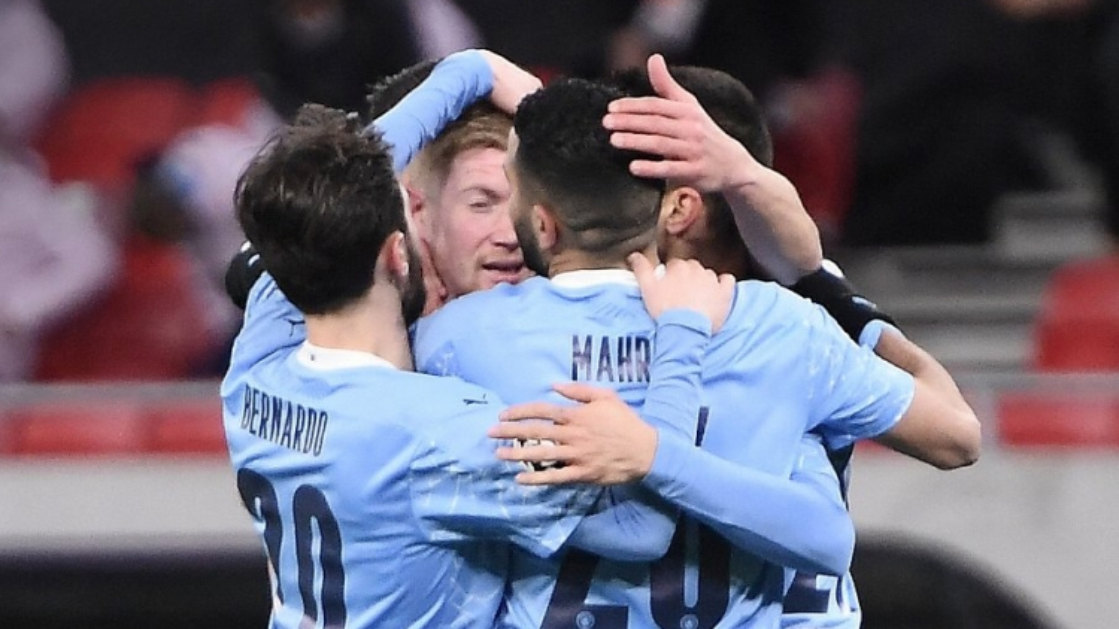 Cán mốc 100 bàn thắng, Man City sắp san bằng kỷ lục của MU