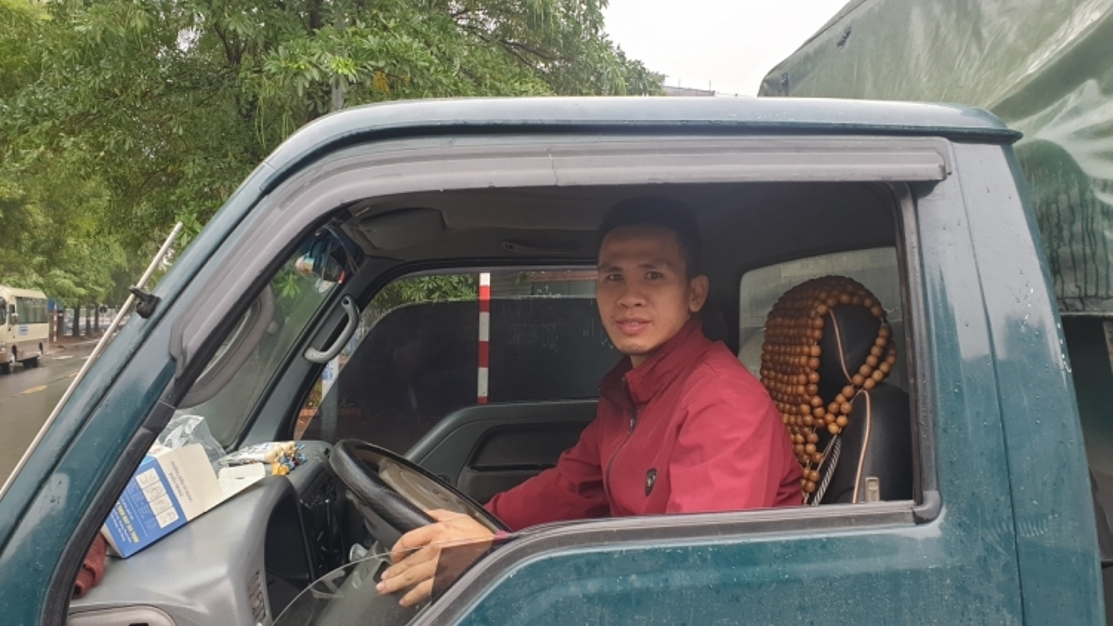 Sao Việt nể phục anh Nguyễn Ngọc Mạnh cứu cháu bé 2 tuổi rơi từ tầng 12 chung cư