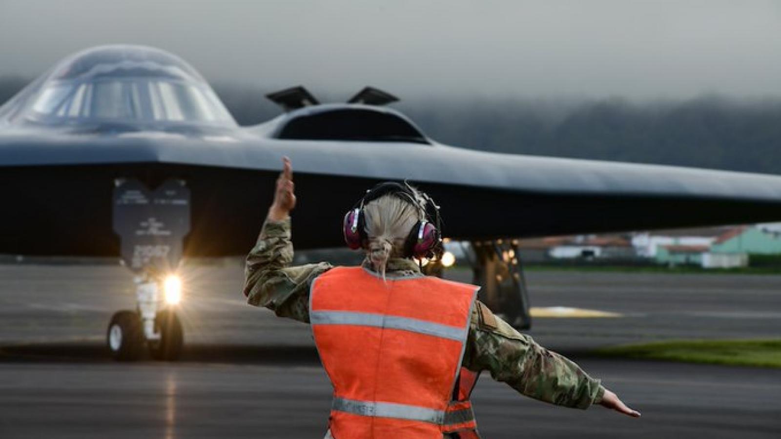 Máy bay ném bom chiến lược Mỹ tiến hành nhiệm vụ huấn luyện gần Iceland