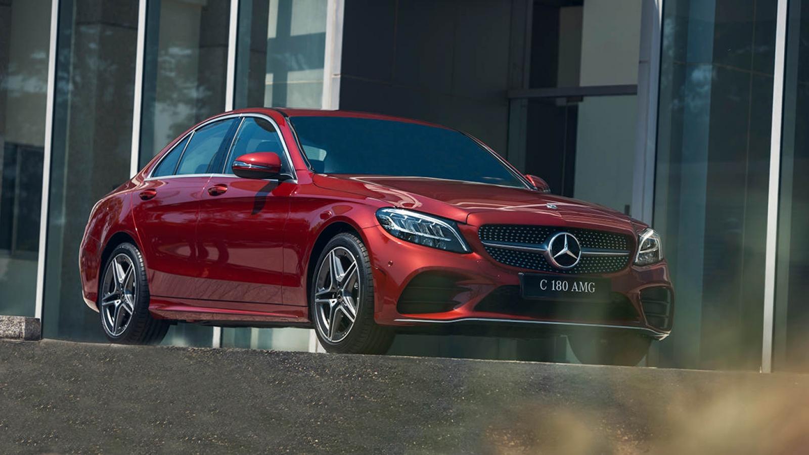 Khám phá Mercedes-Benz C 180 AMG vừa ra mắt thị trường
