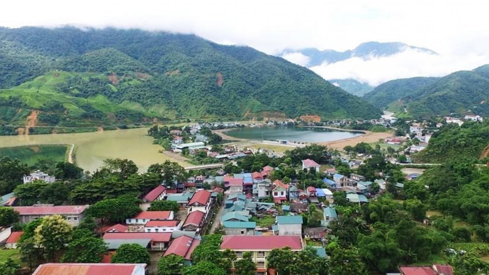 Người dân biên giới Lai Châu no ấm nhờ rừng