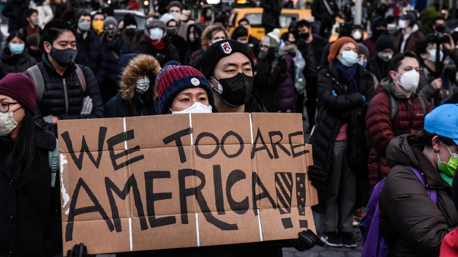 """Phân biệt chủng tộc người Mỹ gốc Á: """"Giọt nước tràn ly"""" thách thức Tổng thống Biden"""