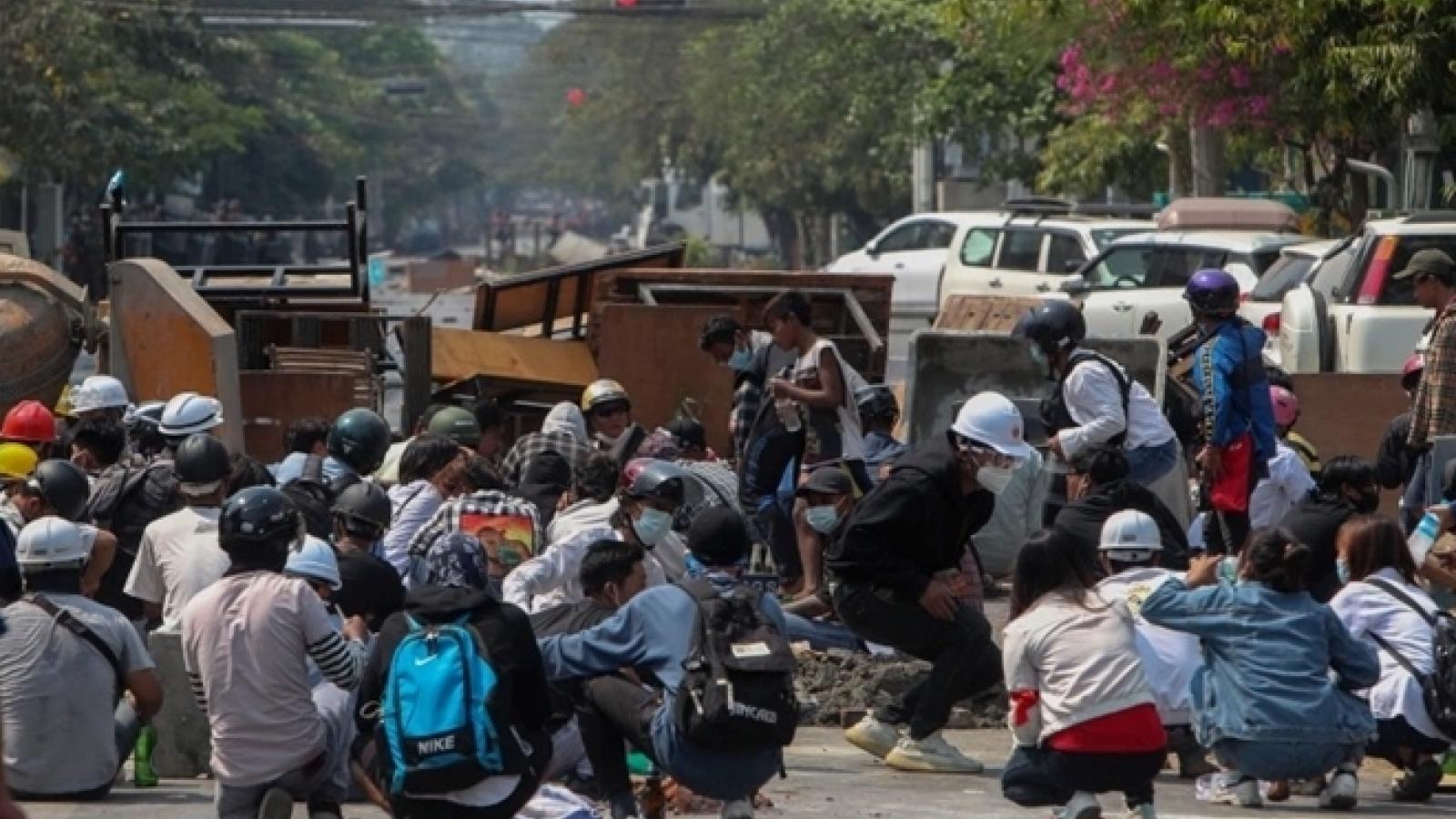 Chính biến Myanmar: 114 người biểu tình thiệt mạng trong một ngày