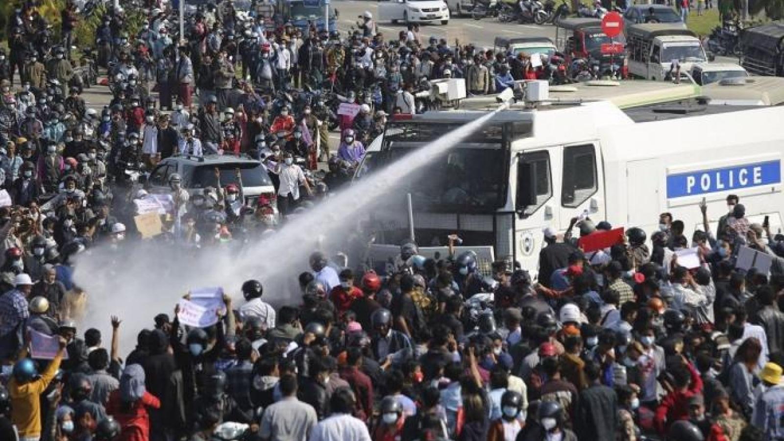Nhật Bản quan ngại sâu sắc về thương vong trong các cuộc biểu tình tại Myanmar