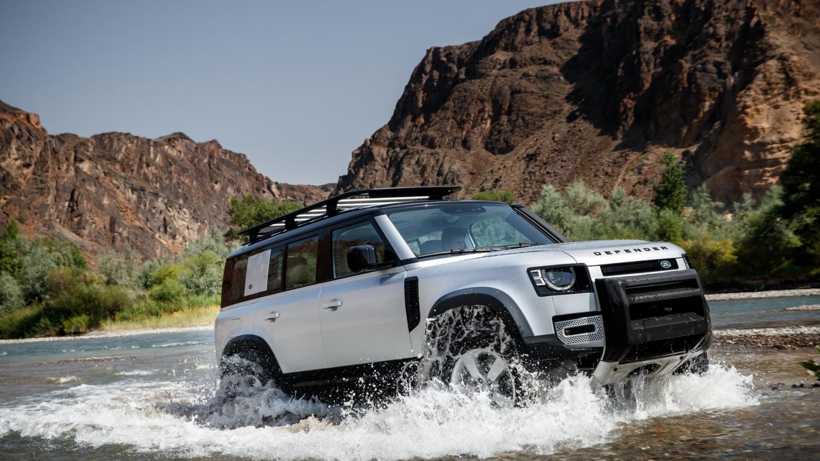 """Land Rover Defender nhận giải """"Mẫu xe phụ nữ yêu thích nhất thế giới"""" của năm 2021"""