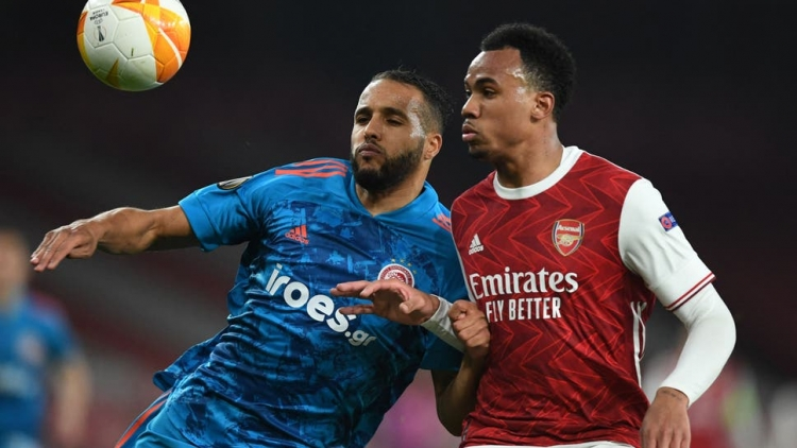 Thua Olympiacos trên sân nhà, Arsenal vất vả vào tứ kết Europa League
