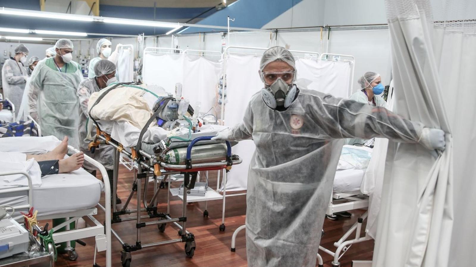 Lý do ngày càng nhiều người trẻ Brazil bệnh nặng và tử vong vì Covid-19