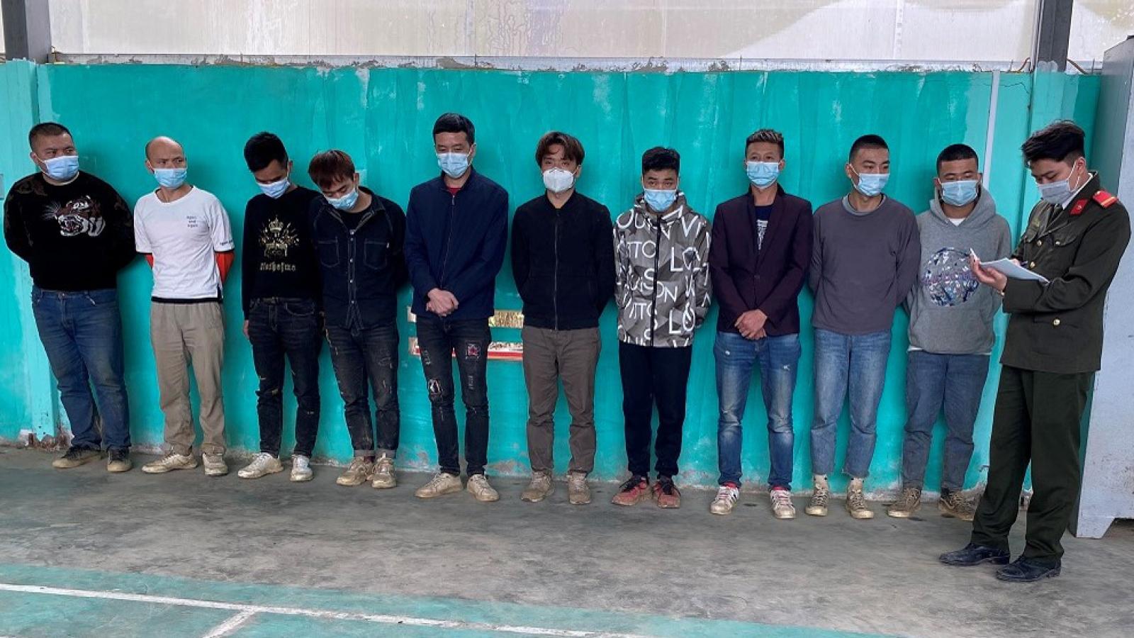Bắt giữ 11 công dân Trung Quốc nhập cảnh trái phép vào Việt Nam