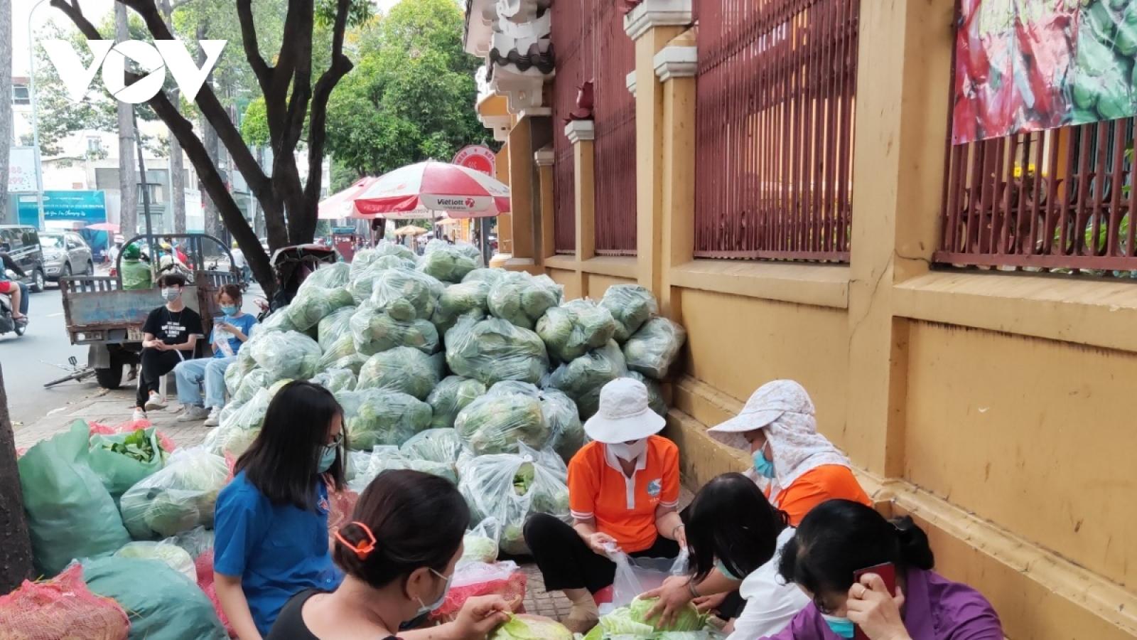 Bộ Công Thương hướng dẫn thu mua, tiêu thụ nông sản vùng có dịch