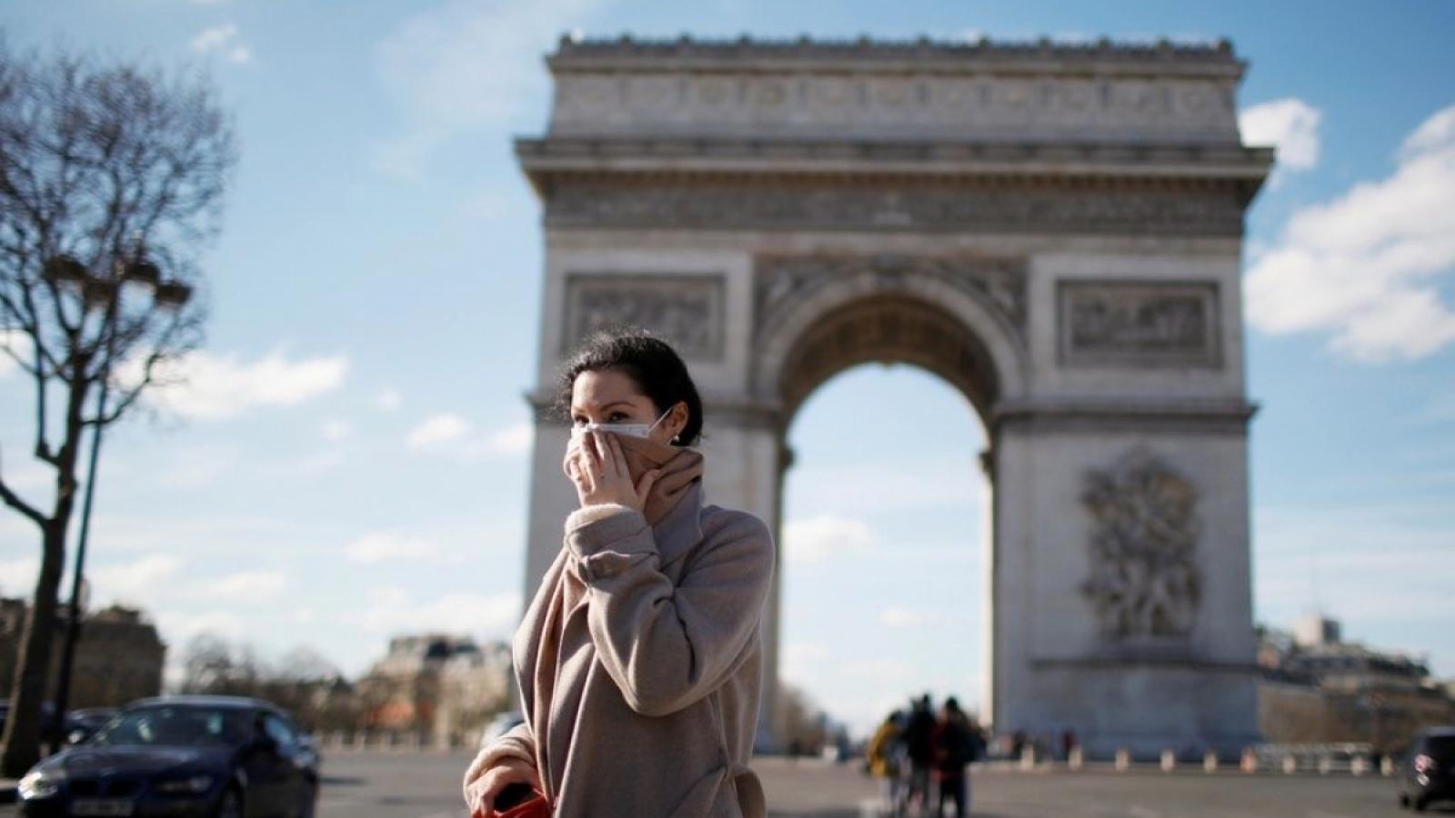 Pháp nới lỏng xuất nhập cảnh cho công dân Nhật Bản và Hàn Quốc