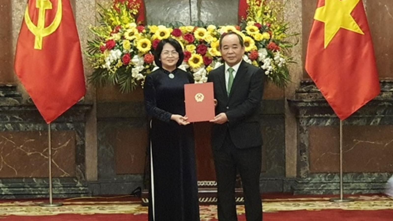 Ông Lê Khánh Hải nhận quyết định giữ chức Chủ nhiệm Văn phòng Chủ tịch nước