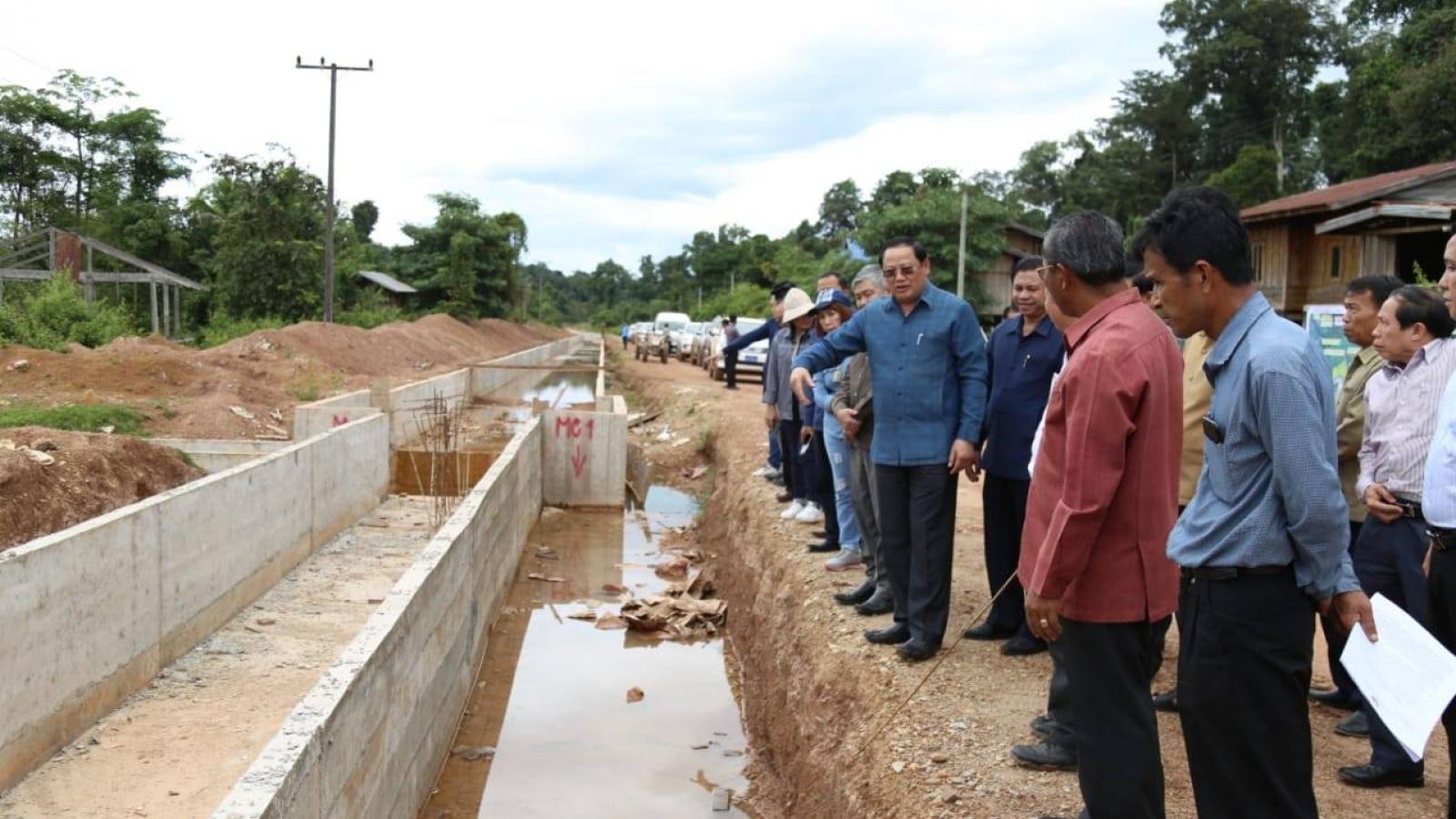 Người dân vùng lũ thủy điện tại Lào sắp có nhà mới đón Tết
