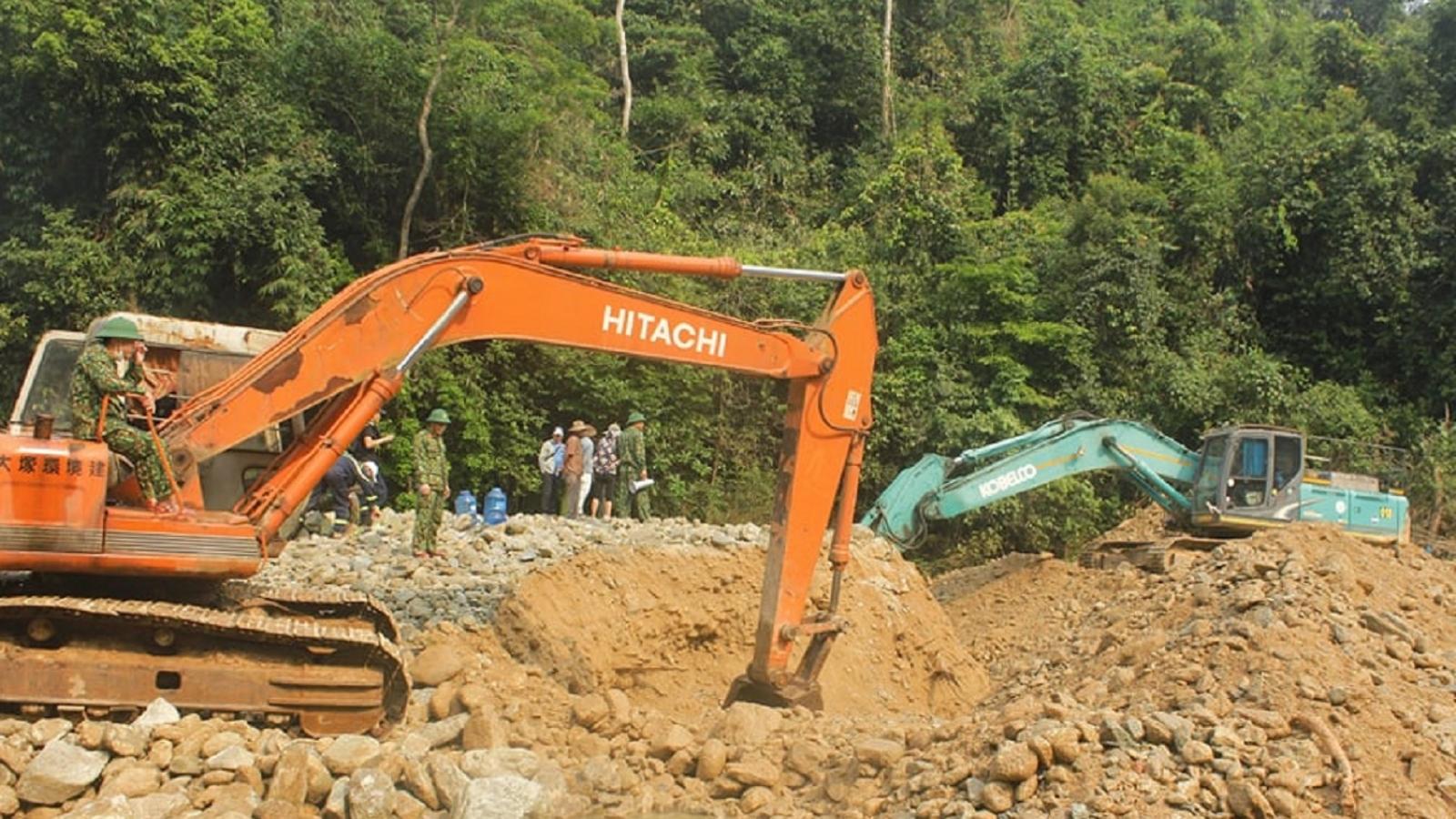 Huy động thêm phương tiện tìm nạn nhân mất tích ở Thủy điện Rào Trăng 3