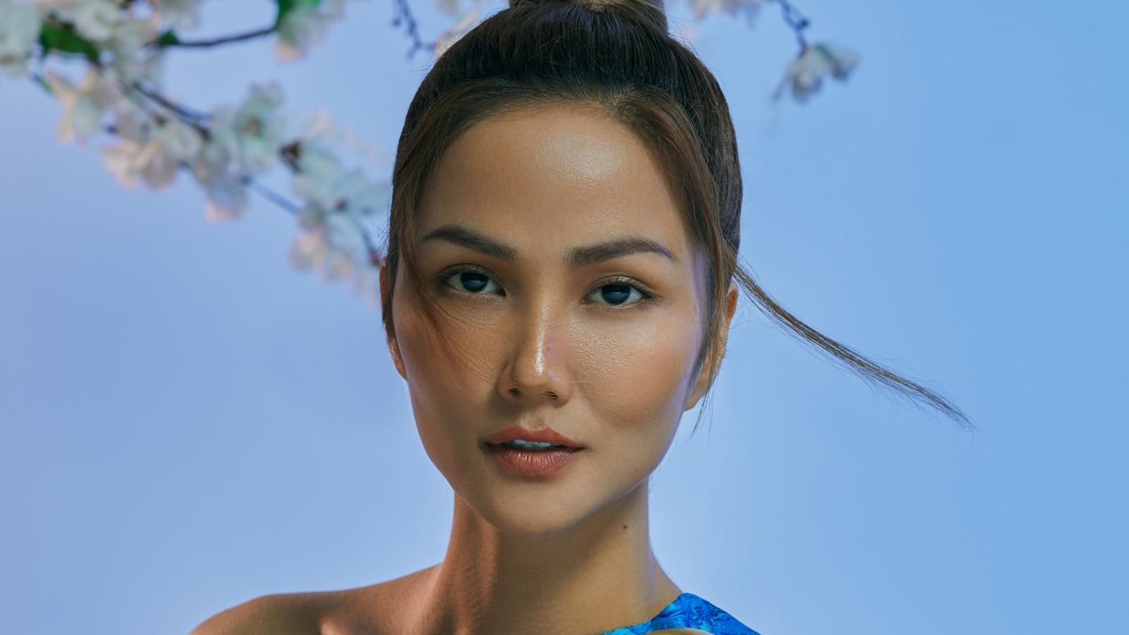 """Hoa hậu H' Hen Niê hoá thân thành """"Raya"""" - nàng công chúa mới nhất của Disney"""