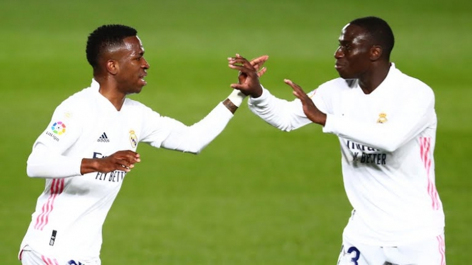 Vinicius Junior ghi bàn phút cuối, Real Madrid thoát thua Sociedad