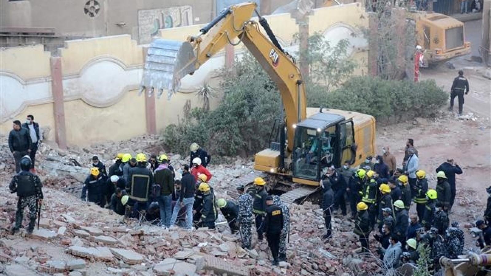 Cập nhật vụ sập nhà 10 tầng ở Ai Cập: 50 người thương vong