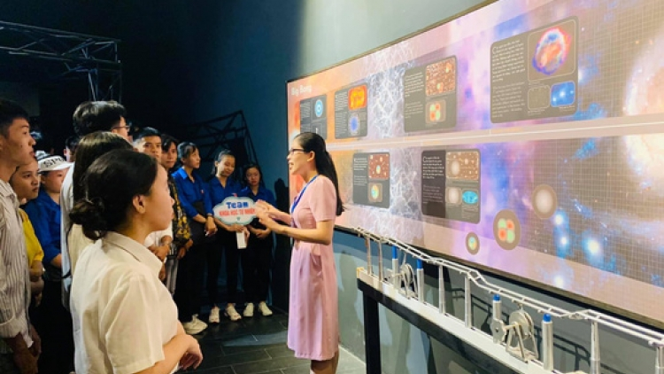 First science tour launched in Vietnam