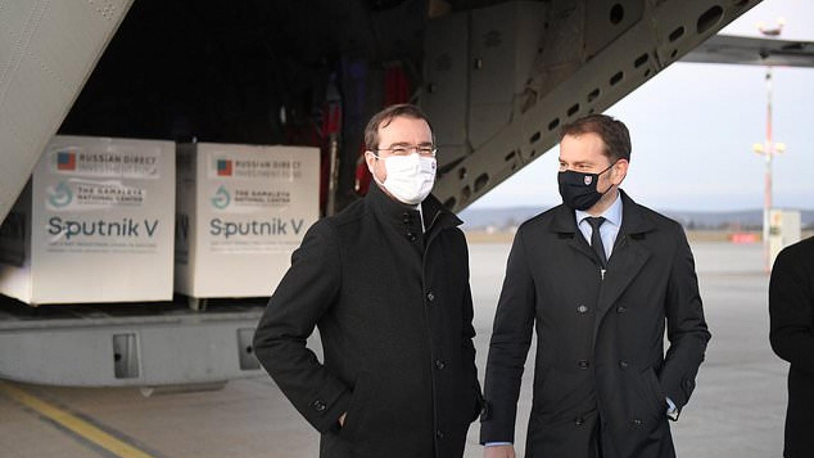 Bộ trưởng Y tế Slovakia từ chức để chấm dứt khủng hoảng liên quan đến vaccine Sputnik