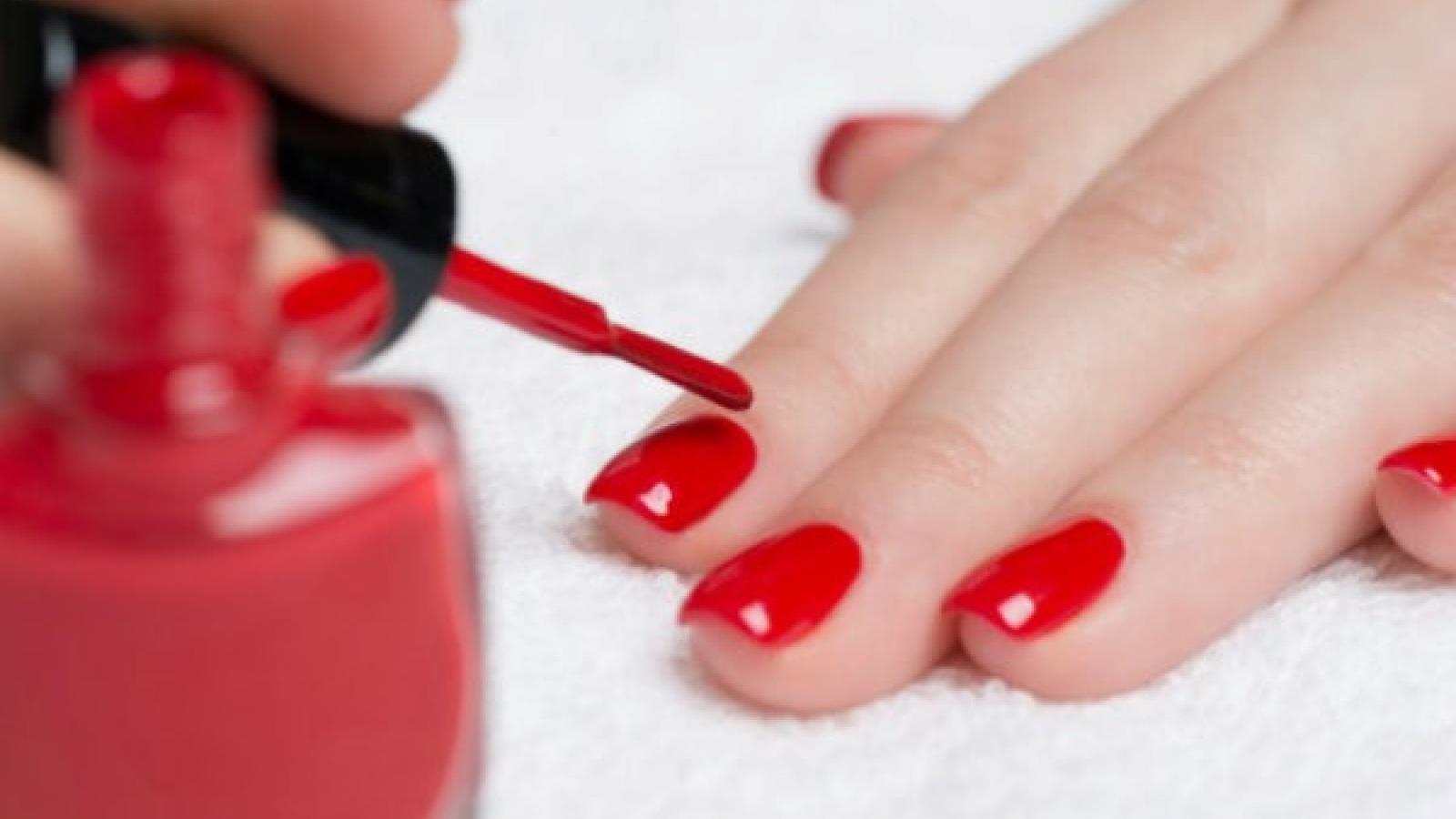 Thực hư nguy cơ sơn móng tay dạng gel gây ung thư da